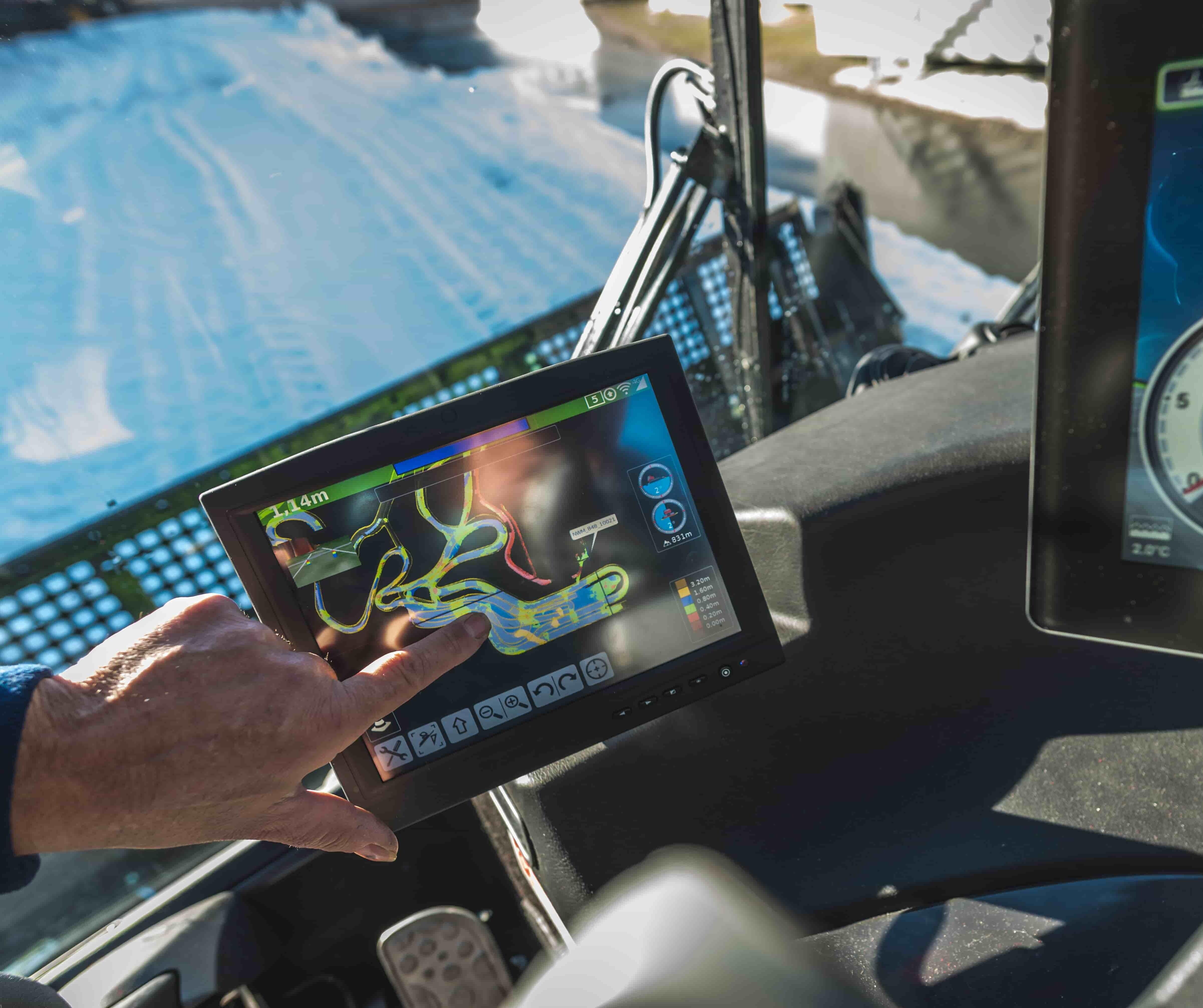 SNOWsat Fahrzeugdisplay