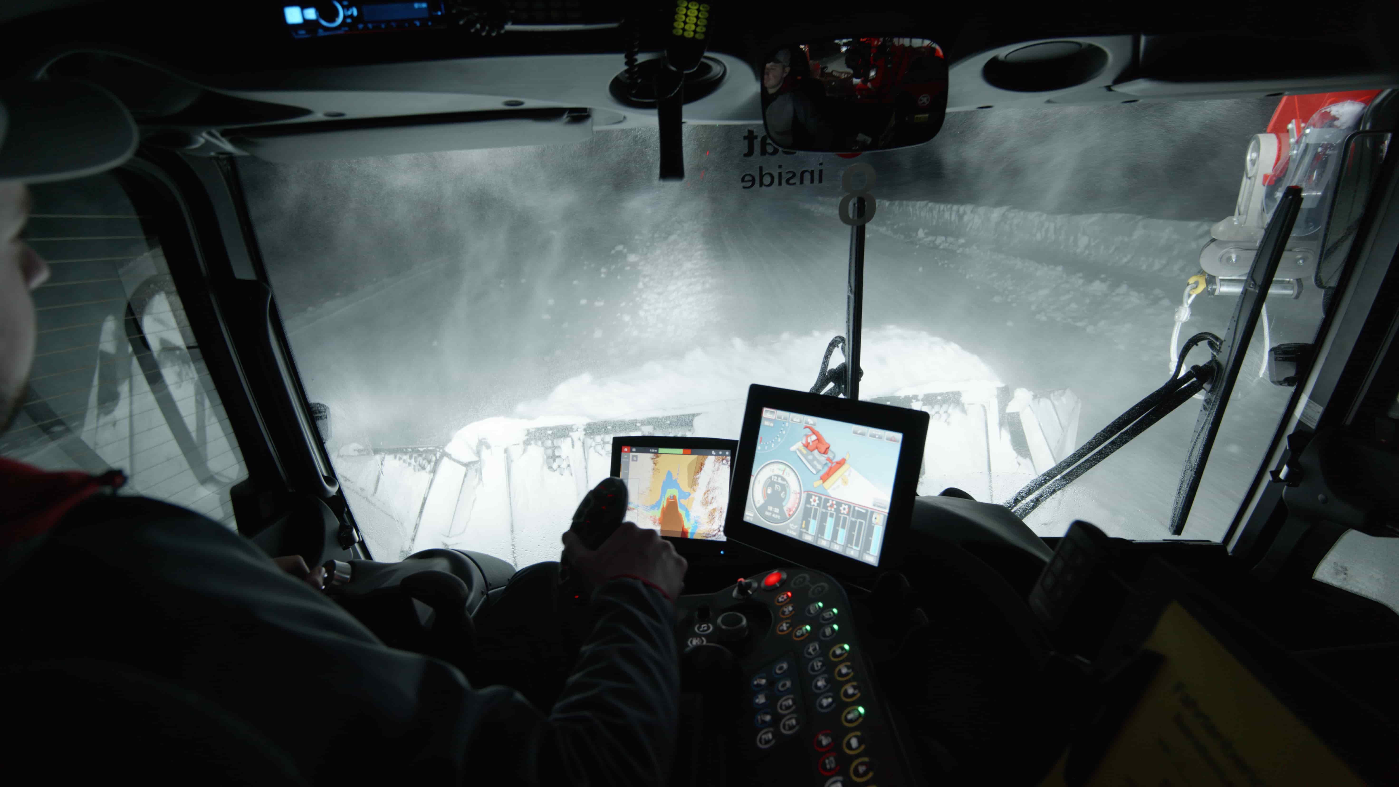 SNOWsat Schneetiefenmessung Fahrzeugdisplay mit LiDAR